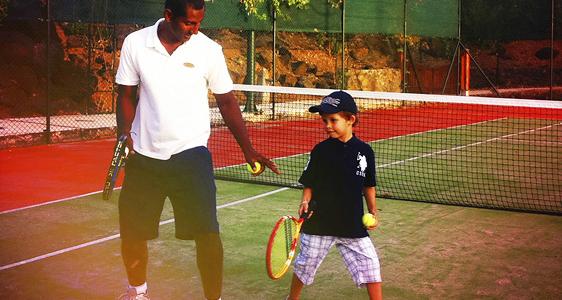 LUX* | Teddy Tennis