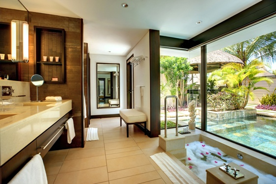 LBM_Ocean_Villa_Bathroom_02